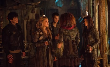 Uneasy - The 100 Season 3 Episode 14