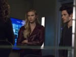 Delivering an Ultimatum - Stitchers
