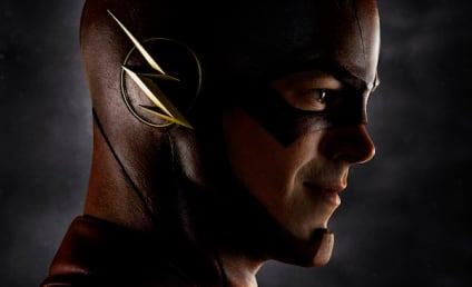 The Flash First Look: Grant Gustin in Costume!