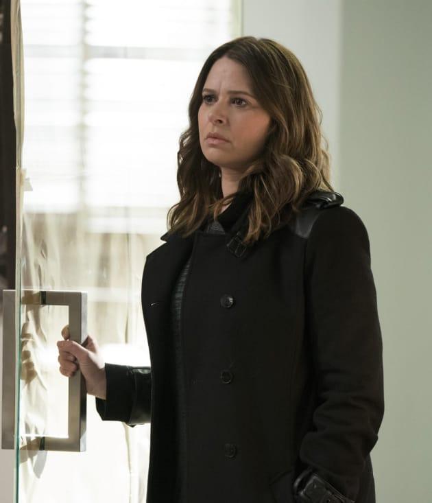 Mellie vs. Olivia - Scandal Season 7 Episode 15