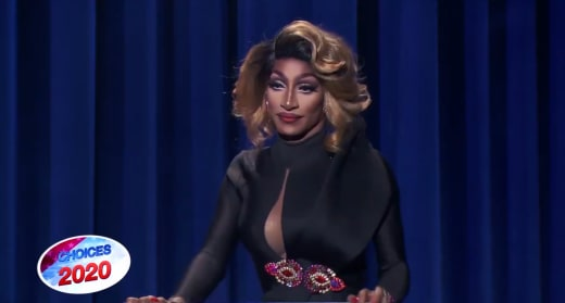 Look Over There! - RuPaul's Drag Race Season 12 Episode 9