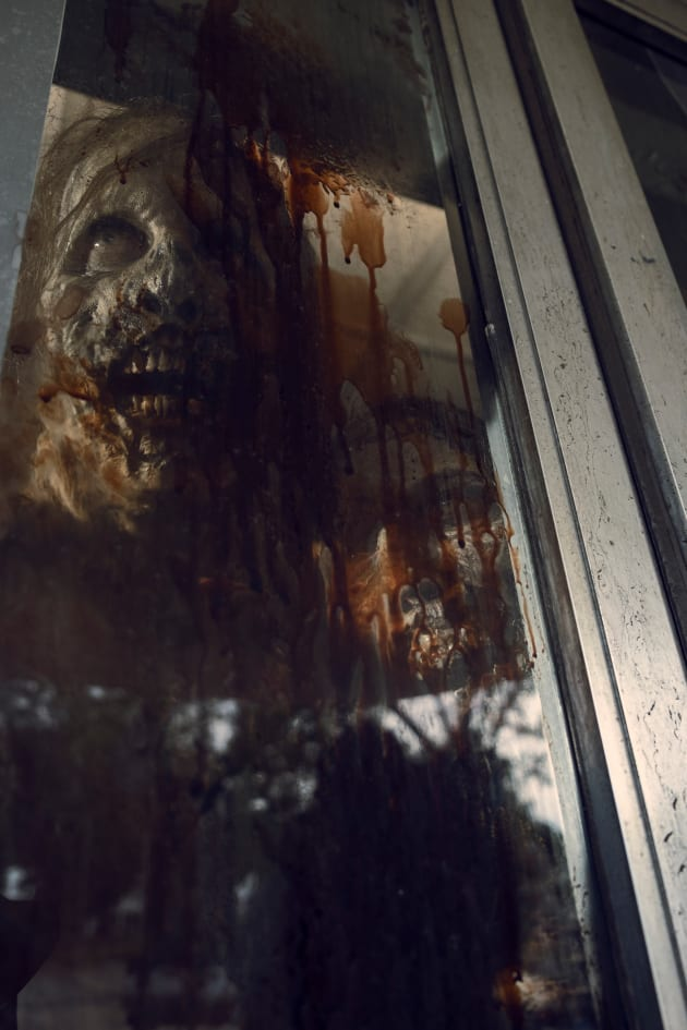 Dinner Time - The Walking Dead Season 9 Episode 11