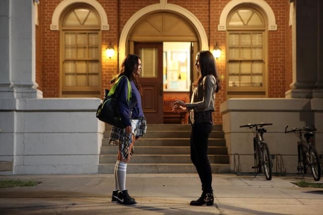 Schoolgirl - Pretty Little Liars Season 5 Episode 20