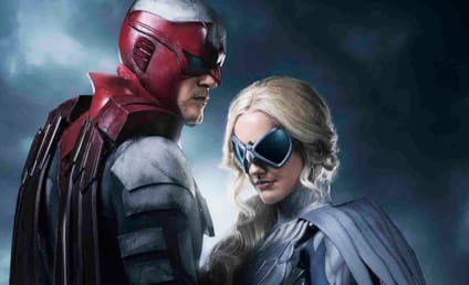 Titans Unveils First Look at Alan Ritchson, Minka Kelly in Costume