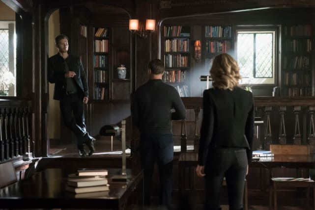 Hello, Old Friends - The Originals Season 5 Episode 12