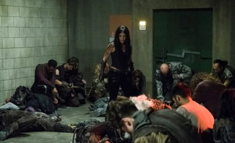 Octavia Blake in the Bunker - The 100 Season 5 Episode 2