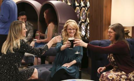 Cheers, Ladies! - The Big Bang Theory Season 10 Episode 22