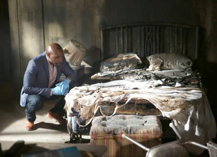 Watch Rosewood Season 1 Episode 5 Online