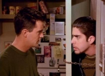 Watch Friends Season 2 Episode 19 Online