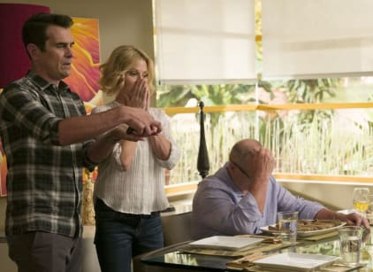 Watch Modern Family Season 8 Episode 1 Online
