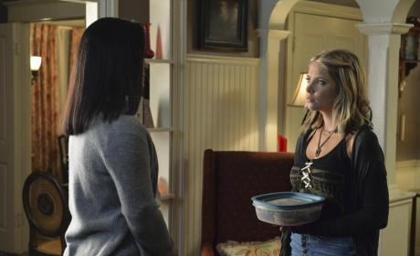 Hanna Brought a Dish - Pretty Little Liars Season 5 Episode 12