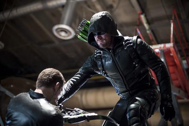 A Helping Hand - Arrow Season 5 Episode 3