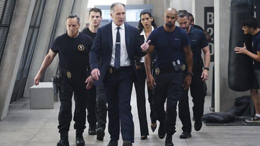Battle of the Blue - SWAT Season 1 Episode 1