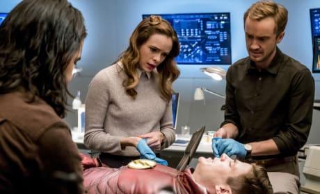 "The Flash: Photos from ""The Wrath of Savitar"""