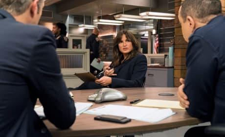 A Team Meeting - Law & Order: SVU Season 19 Episode 11