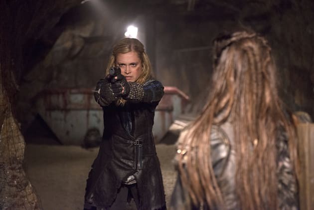 Clarke Takes Her Shot - The 100