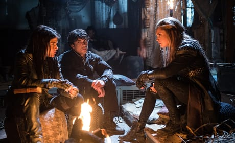 Plotting - The 100 Season 3 Episode 14