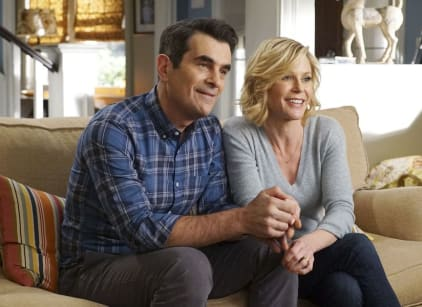 Watch Modern Family Season 8 Episode 18 Online