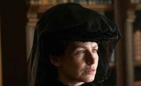 Horrified Mother - The Alienist Season 1 Episode 2
