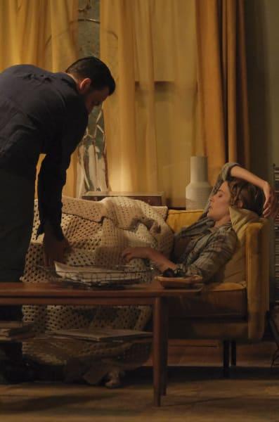 Tucking In - Stumptown Season 1 Episode 2