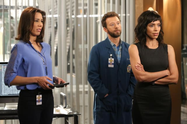 A Famliar Case? - Bones Season 10 Episode 22