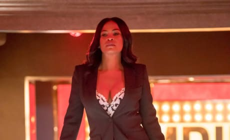 Walking in like she owns the place (and she probably does) - Empire Season 3 Episode 13