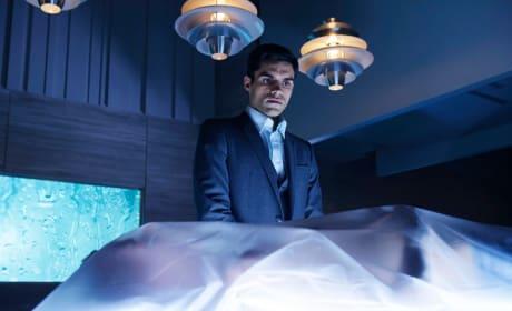 Body Snatcher - Incorporated Season 1 Episode 6