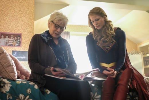 Sam's Mom - Supergirl Season 3 Episode 18