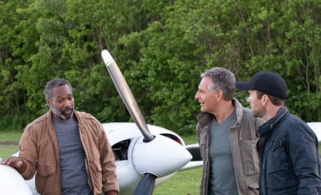 Hitching a Ride - NCIS: New Orleans Season 5 Episode 23
