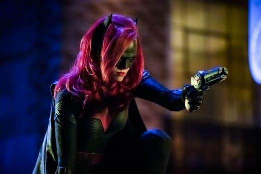 Waving the Gun - Arrow Season 7 Episode 9
