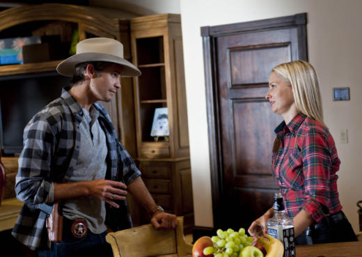 Raylan Givens Has a Drink With Mrs. Karns