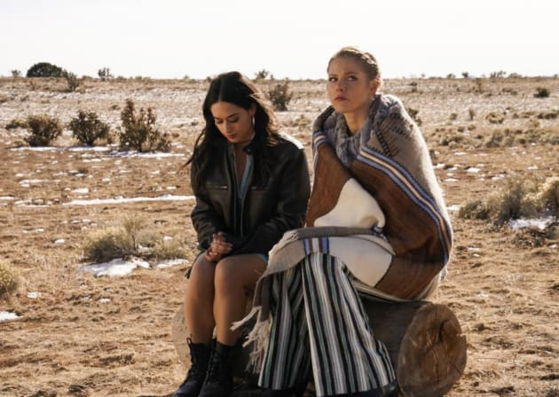Making a Scene - Roswell, New Mexico Season 1 Episode 12