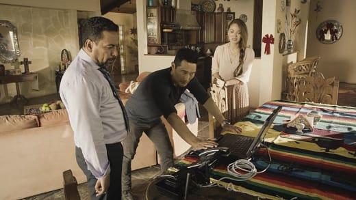 Chin looks for Sara - Hawaii Five-0 Season 7 Episode 11