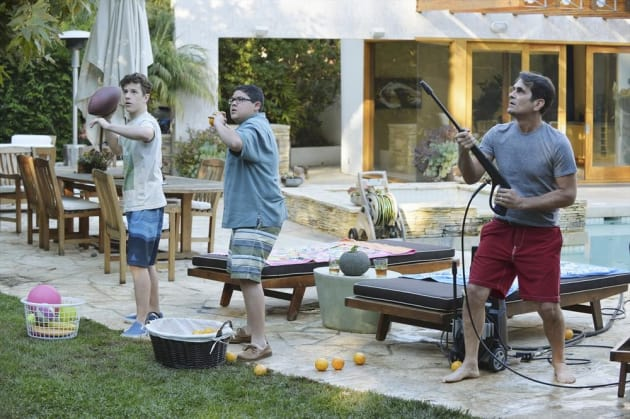 Phil, Manny, and Luke Have a Plan - Modern Family Season 6 Episode 17