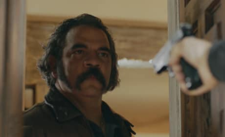 Pote Gets Caught - Queen of the South Season 3 Episode 2