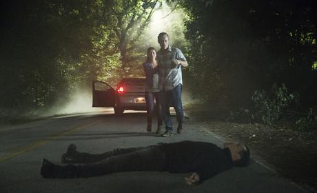 Setting the Trap - The Vampire Diaries Season 8 Episode 1