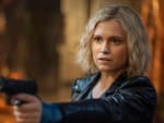 Clarke Points A Gun Again - The 100