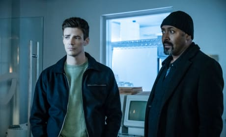 Barry and Joe Are Here To Help - The Flash Season 5 Episode 19