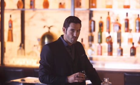 Time for a Drink - Lucifer Season 2 Episode 1