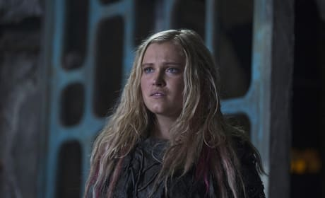 Clarke Is Hurt - The 100 Season 3 Episode 3