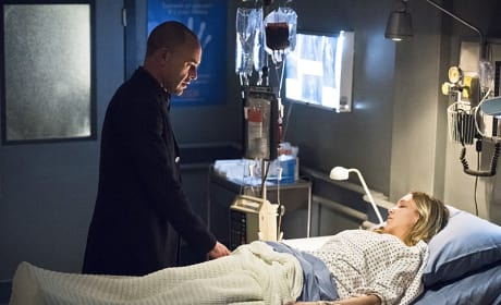 Dad and daughter - Arrow Season 4 Episode 19