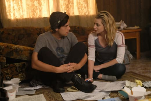 Bughead Secrecy - Riverdale Season 2 Episode 4