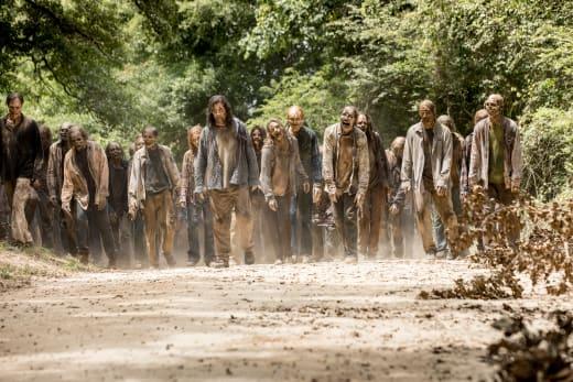 That's A Lot Of Teeth - The Walking Dead Season 9 Episode 5