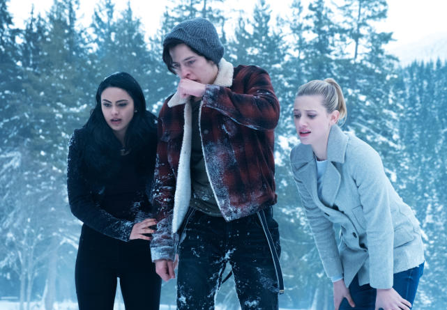 A (Cold) Shoulder To Cry On - Riverdale Season 1 Episode 13