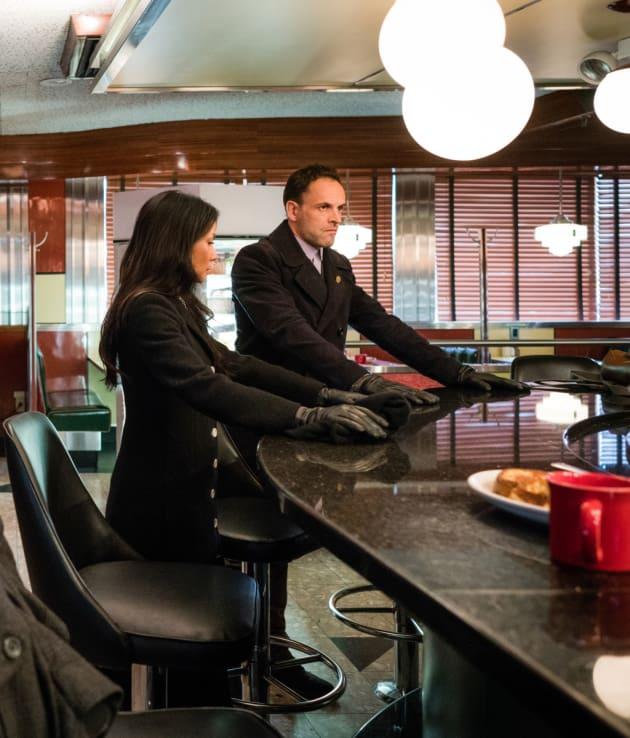 Lucifer Season 1 Episode 4 Promo Spoilers Lucifer S: Joan Is Held Hostage