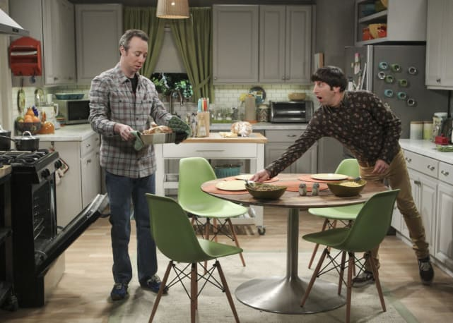 Stuart Helps Out - The Big Bang Theory Season 10 Episode 21