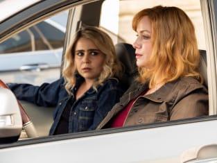 Sisters Planning - Good Girls Season 2 Episode 1