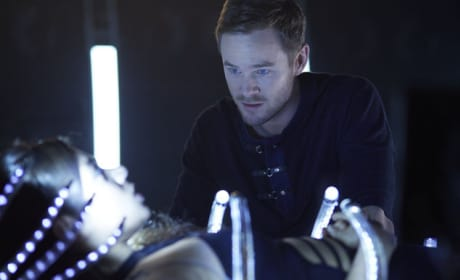 Dutch Hijacks Khlyen's Mind - Killjoys Season 1 Episode 9