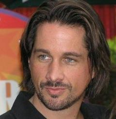 Michael Easton Photo