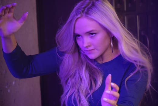 Lauren In Action - The Gifted Season 1 Episode 2